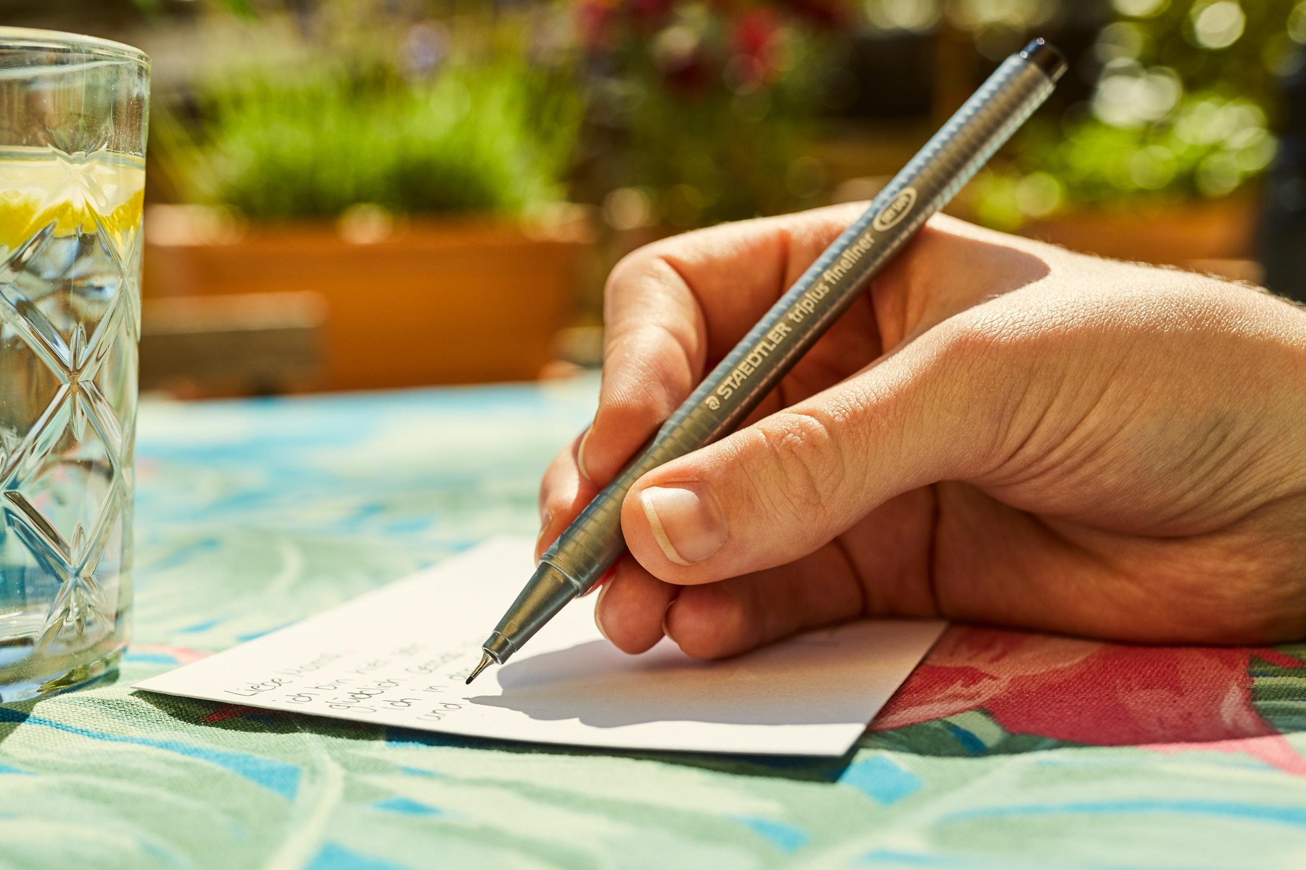 """""""Heute schreibe ich dir …"""": Was uns Postkarten bedeuten"""