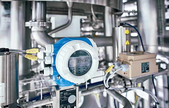 Smart sensors are the key to digitalization: The Proline 300/500 family of flowmeters features an integrated web server, WiFi and self-diagnostics systems.